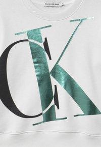 Calvin Klein Jeans - EXPLODED MONOGRAM - Sweatshirt - white - 2