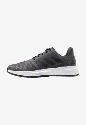 COURTJAM BOUNCE CLAY - Tennisskor för grus - grey six/core black/footwear white