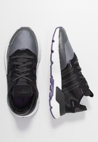 adidas Originals - NITE JOGGER  - Sneakersy niskie - tech purple/core black/grey five - 3