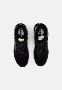 Diadora - RAPTOR WINTERIZED - Höga sneakers - black - 3