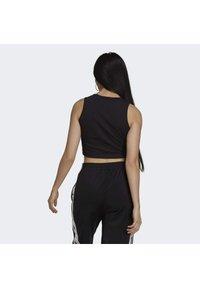 adidas Originals - ADICOLOR FITTED - Top - black - 1
