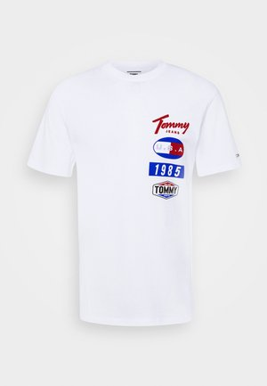 PRINTED PATCHES LOGO TEE - Print T-shirt - white
