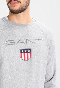 GANT - SHIELD C NECK - Sweatshirt - grey melange - 3