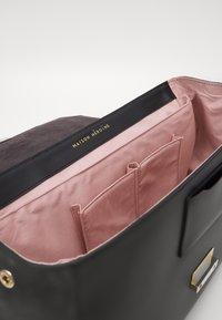 Maison Hēroïne - AUDREY - Laptop bag - black - 3