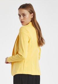 ICHI - IHKATE - Blazere - buff yellow - 4