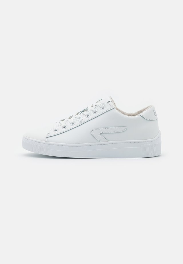 HOOK-Z - Trainers - white