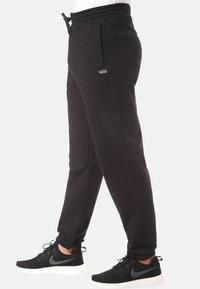 Vans - MN BASIC FLEECE PANT - Tracksuit bottoms - black - 3