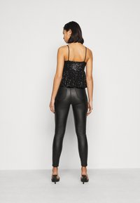 Pieces Petite - PCDELPHIA SLIP - Top - black - 2