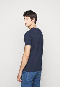 Hackett London - TEE - T-shirt med print - navy - 2