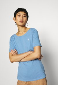Marc O'Polo - SHORT SLEEVE ROUNDNECK - Basic T-shirt - northern sky - 0