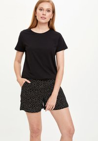 DeFacto - Shorts - black - 0