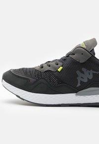 Kappa - LAVERTON UNISEX - Sports shoes - black/lime - 5