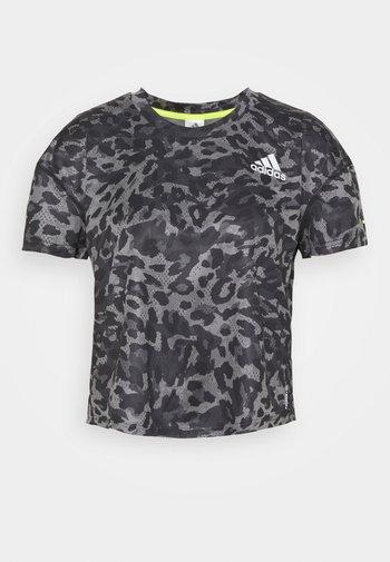 PRIMEBLUE TEE - Print T-shirt - grey four
