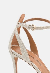 Pura Lopez - Sandalen - glitter platin - 6