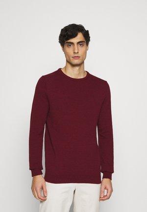 Svetr - mottled dark red