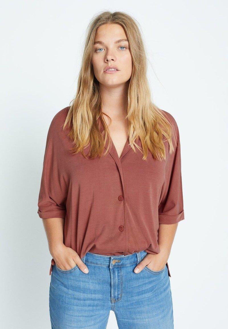 Violeta by Mango - CUPER - Button-down blouse - granatrot