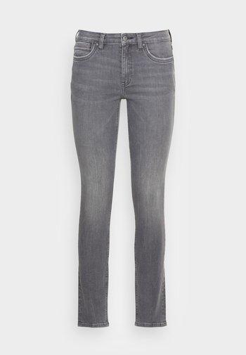 Skinny-Farkut - grey medium wash