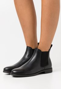 Anna Field - LEATHER - Botines bajos - black - 0