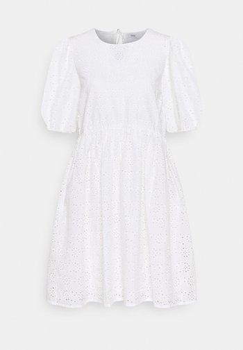 ENBUTTERCUP DRESS - Robe d'été - white