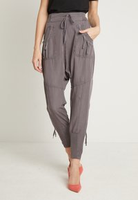 Cream - NANNA PANTS - Pantalon classique - pitch black - 0