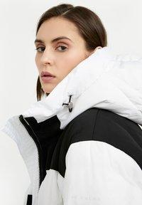 Finn Flare - Down jacket - white - 3