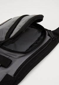 Spiral Bags - JOURNEY CROSSBODY - Bum bag - silver - 2