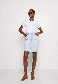 Tommy Hilfiger - ROME STRAIGHT SKIRT LOTA - Pencil skirt - light-blue denim - 1