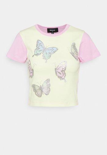 FANTASY BUTTERFLIES - Print T-shirt - multi