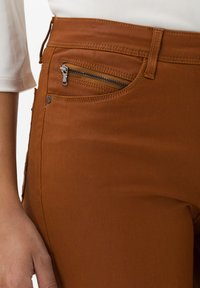 BRAX - STYLE SHAKIRA - Jeans Skinny Fit - clean amber - 3