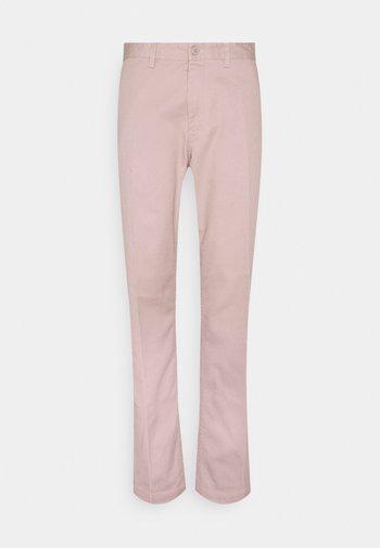 STRAGGLER PANT - Chino kalhoty - gallnut
