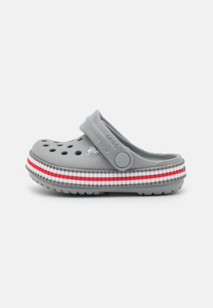 CROCBAND VARSITY UNISEX - Pool slides - light grey