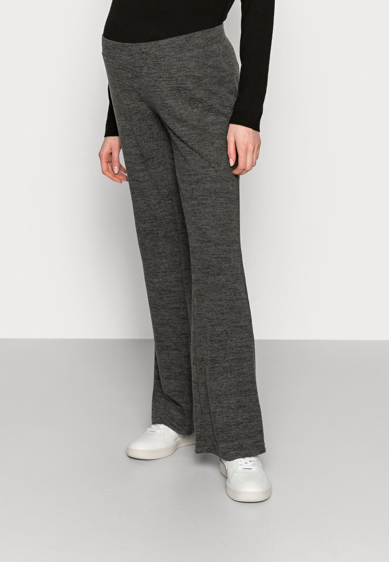 Pieces Maternity - PCMPAM FLARED PANT - Trousers - dark grey melange