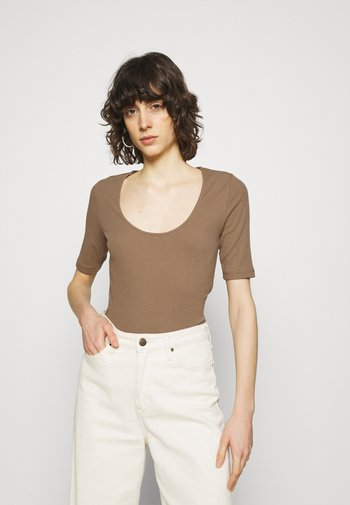 ALEXO - Basic T-shirt - caribou