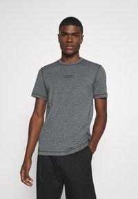 Calvin Klein - MOULINE  - Jednoduché triko - black - 0