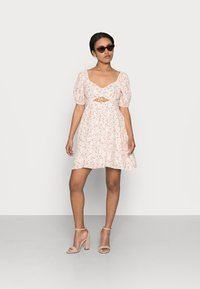 Forever New Petite - RUCHED SWEETHEART - Day dress - cameo rose - 1