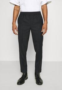 ARKET - TROUSERS - Pantalones - navy - 0