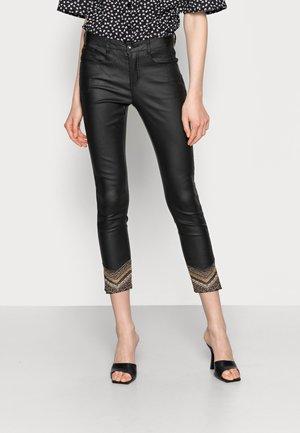 GITTA PANT - KATY FIT - Trousers - pitch black