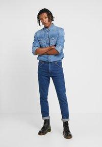 Wrangler - 11MWZ - Straight leg jeans - blue denim - 1