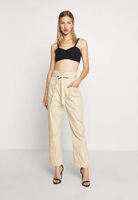 Missguided - PAPERBAG WAIST BELTED TROUSERS - Trousers - beige - 1