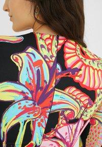 Desigual - DESIGNED BY MARIA ESCOTÉ: - Vestido de punto - multi-coloured - 5