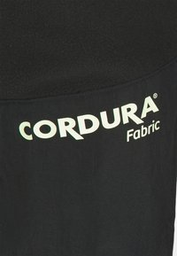 Jordan - MOUNTAINSIDE PANT - Pantaloni sportivi - black/court purple/barely volt - 2