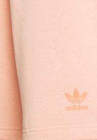 adidas Originals - TREF UNISEX - Shorts - ambient blush - 2