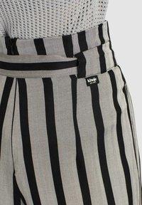 khujo - EIVOLA - Trousers - black grey - 4