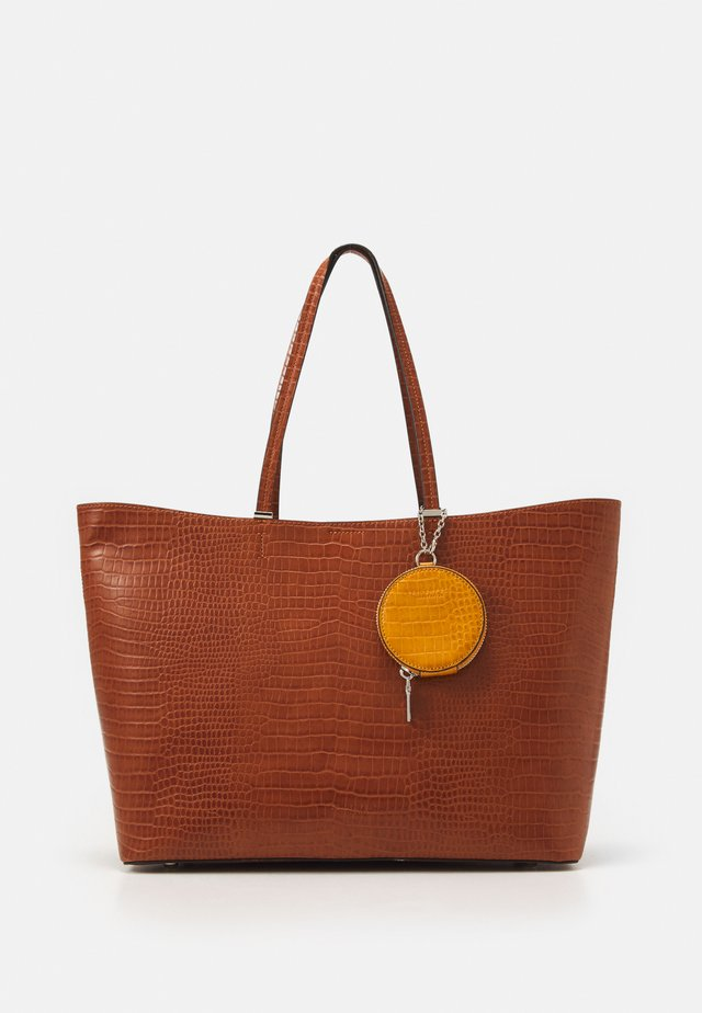 LOKKEN SET - Shopper - cognac