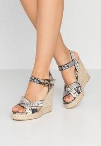 Ted Baker - SELANAE - Højhælede sandaletter / Højhælede sandaler - natural - 0