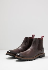 Base London - WILKES - Classic ankle boots - washed brown - 2