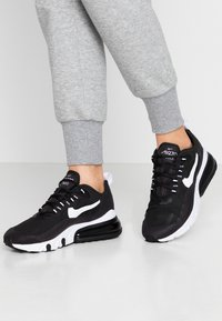 Nike Sportswear - AIR MAX 270 REACT - Sneakers basse - black/white - 0