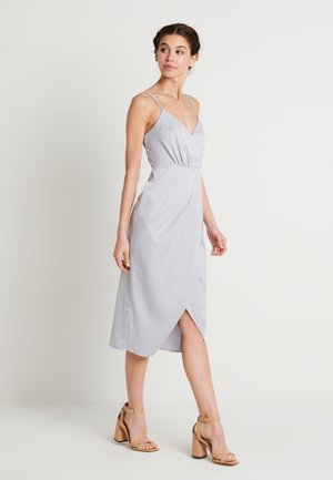 ZALANDO X NA-KD FRONT SLIT DRAPED DRESS - Sukienka koktajlowa - dusty blue