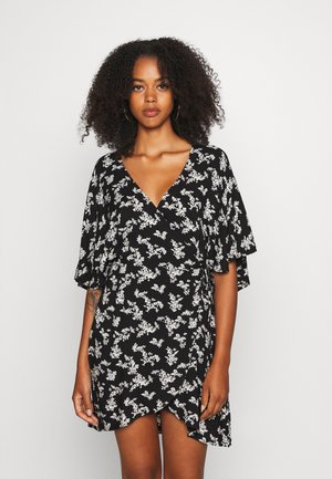 CUTE WRAP KIMONO DRESS - Robe d'été - black