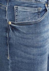 ONLY Carmakoma - CARRICA LIFE - Jeans straight leg - medium blue denim - 2